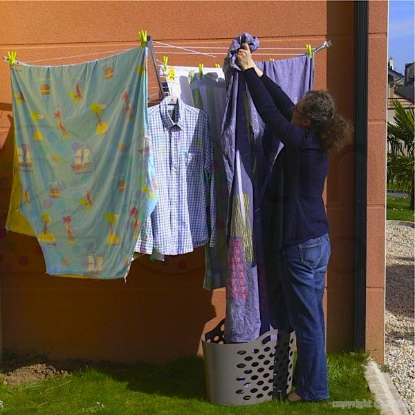 Etendoir parapluie mural amovible wally int rieur - Etendoir a linge mural retractable ...
